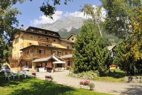 L 39 hotel sci sport a bormio 2 stelle for Hotel meuble della contea bormio